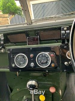 Land Rover series 2 3.5 V8 1961 Looks Fantastic and sounds great